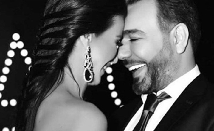 نادين الراسي لرجا ناصر الدين: بحبَّك بجنون
