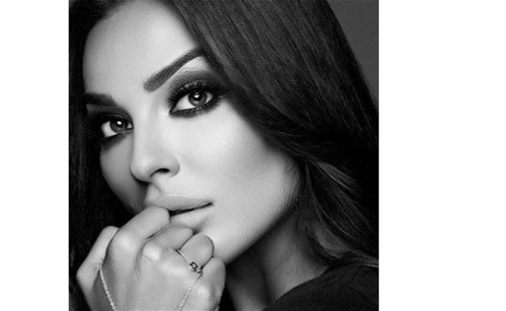 بالفيديو: نادين نسيب نجيم تقلّد فيفي عبده بإتقان