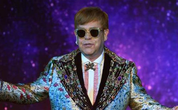 Elton John announces that the Yellow Brick Road tour will be postponed to 2021