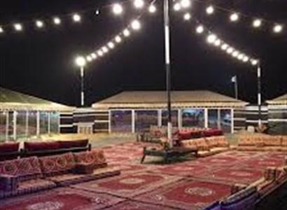 رحلة الاستمتاع بألذ بوفيه الاكلات التقليدية في أجواء المخيم بجدة